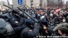 Police beating protesters in Moscow