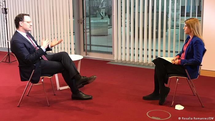 Jens Spahn, intervievat de jurnalista DW Michaela Küfner