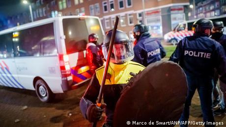 Niederlande I Proteste gegen Corona-Beschränkungen