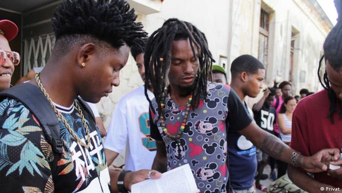 Barber's Street Cuban Hip Hop C4: cortes, rap y libros.