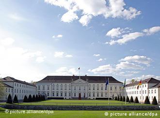 Der Amtssitz des Bundespräsidenten, Schloss Bellevue, aufgenommen am 22.04.2008 in Berlin. Foto: Arno Burgi +++(c) dpa - Report+++