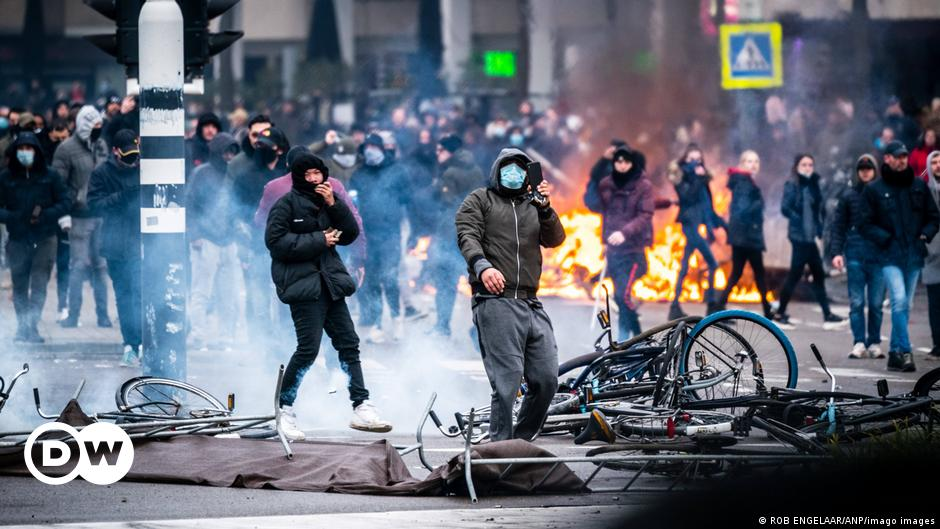 Dutch journalists face hostile environment while covering curfew riots