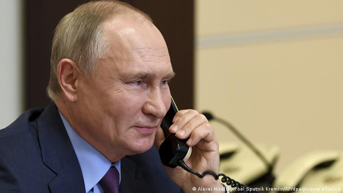 Wladimir Putin am Telefon (10.12.2020)