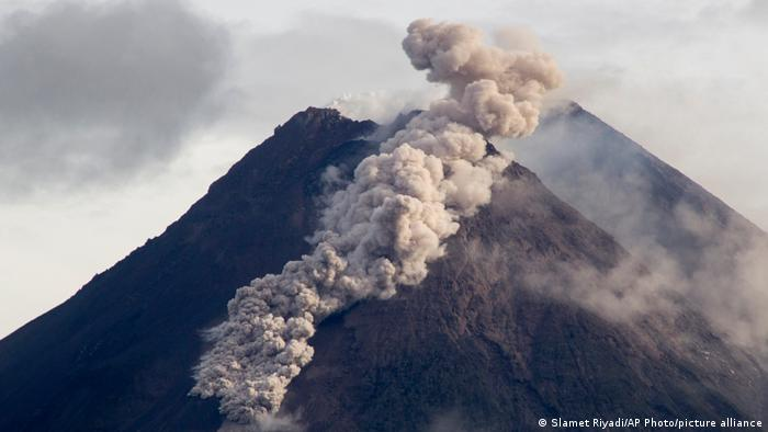 Cloud of volcanic material running down the side of Mount Merapi after the eruption