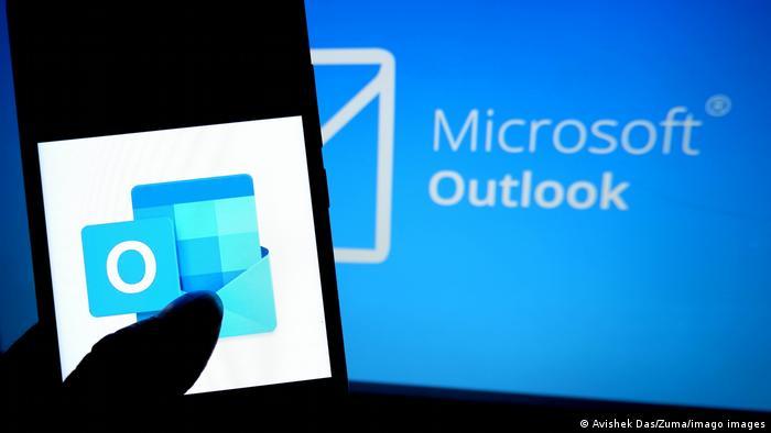 Эмблема почтового сервиса Microsoft Outlook
