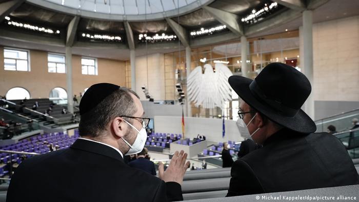 Deux rabbins assistent à la cérémonie au Bundestag en hommage aux victimes du nationalsocialisme (27.01.21)