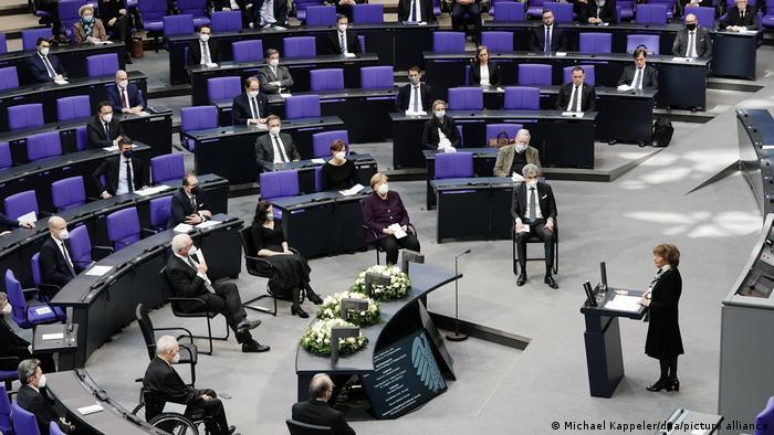Charlotte Knobloch giving her speech in the Bundestag