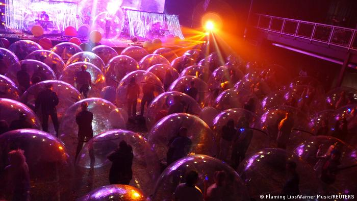 Flaming Lips give a socially-distanced Space Bubble concert, using individual inflatable bubbles to avoid the spread of coronavirus