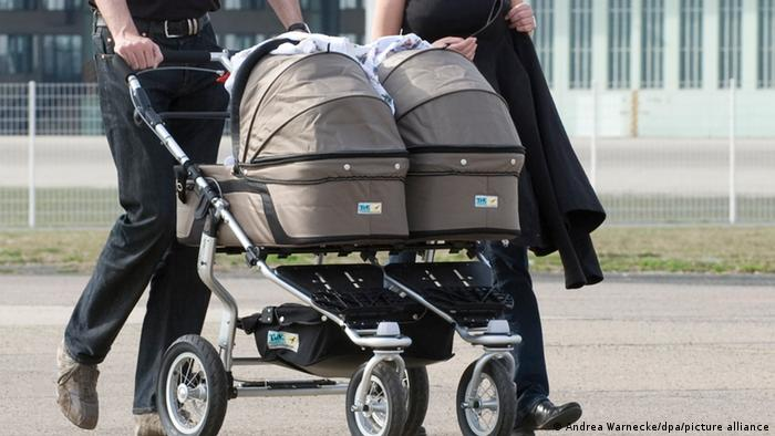 Symbolbild Zwillinge Kinderwagen
