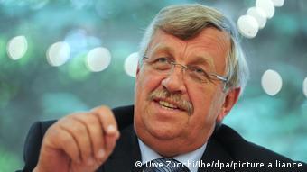 Walter Lübcke ici à Kassel, lors de l'annonce de la construction d'un égout