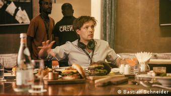 Regisseur York-Fabian Raabe bei den Dreharbeiten.