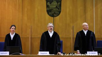 Le juge Thomas Sagebiel (centre) a affirmé que la condamnation ne laissait aucune place au doute
