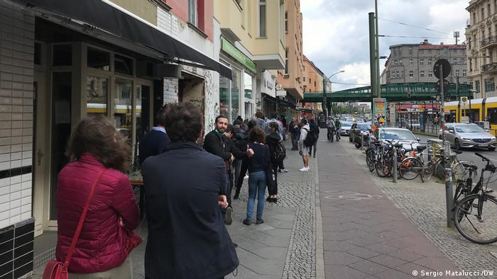 People are lining up in front of a Berlin games store