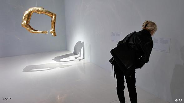 Louise Bourgeois Flash-Galerie