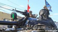 Peru Tumbes | Militärfahrzeuge auf dem Weg nach Ecuador