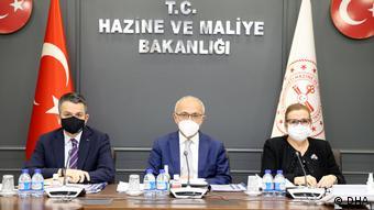 Από πρόσφατη συνεδρίαση του τουρκικού υπ. Οικονομικών σχετικά με την αύξηση των τιμών στα τρόφιμα