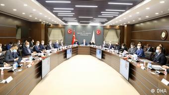 Σύσκεψη για την ακρίβεια στο υπουργείο Οικονομικών