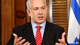 zu unserem KORR Nahost/Gaza/Israel: **ARCHIV** Israeli Prime Minister Benjamin Netanyahu speaks after a meeting with Canadian Prime Minister Stephen Harper in Ottawa, Canada, Monday May 31, 2010. (AP Photo/The Canadian Press, Adrian Wyld)