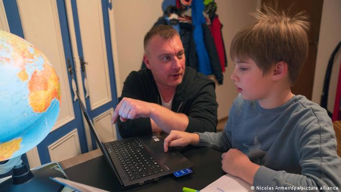 Deutschland | Coronavirus | Symbolbild Homeschooling