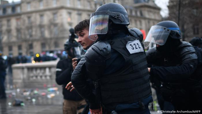Frankreich Protest global security