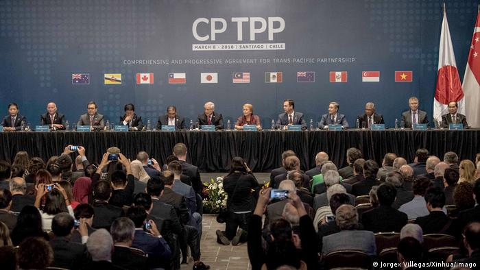 A picture of delegates from 11 countries during the signing ceremony of the CPTPP trade pact in Chile in March 2018.