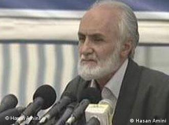 حاكم شرع كردستان به دادگاه روحانيت در مشهد احضار شده بود