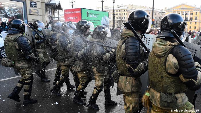 Петербурзькі силовики проти демонстрантів