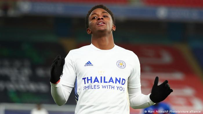 Demarai Gray has signed an 18-month contract with Bayer Leverkusen