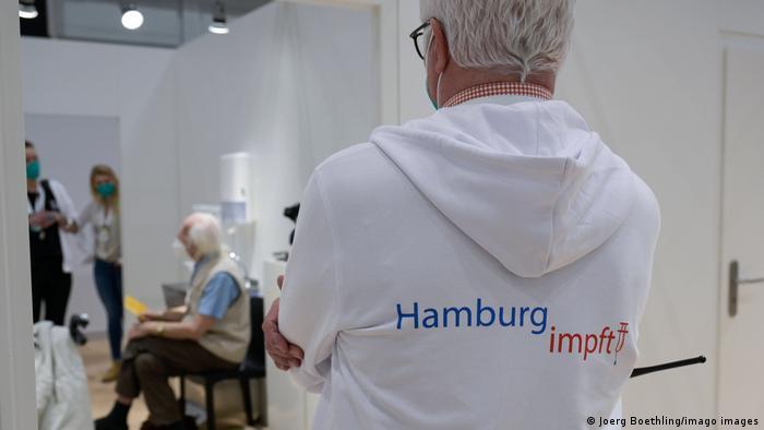 Ein Zentrum für Corona-Impfungen in Hamburg in Deutschland
