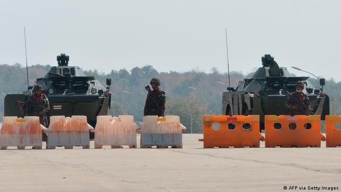 Военная техника в столице Мьянмы Нейпьидо