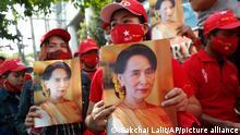 Thailand Anhänger aus Myanmar protestieren für Aung San Suu Kyi