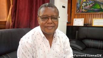 Dr. Pierre Somsé, Gesundheitsminister der ZAR, im DW-Interview