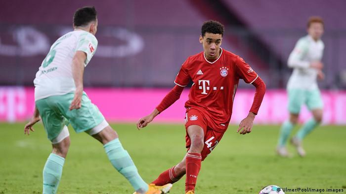 Fussball 1. Bundesliga Saison 20/21: FC Bayern Muenchen - SV Werder Bremen Fussball 1. Bundesliga Saison 2020/2021 8. Sp