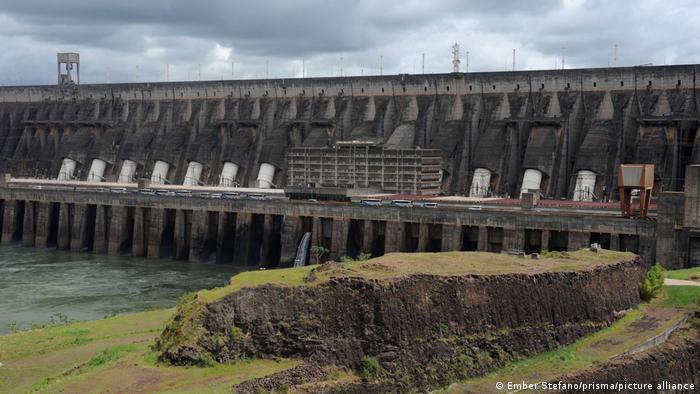 A Eletrobras opera 62 parques eólicos e 48 usinas hidrelétricas: Itaipu é a maior