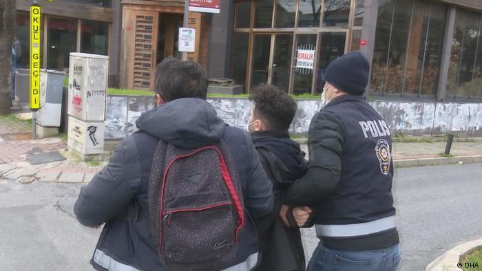 Gözaltına alınan bir öğrenci