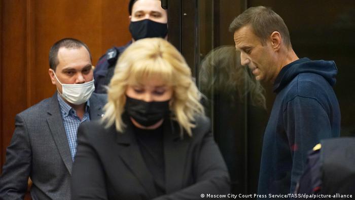 Russland Gerichtsverhandlung Nawalny Anwälte Olga Mikhailova Vadim Kobzev