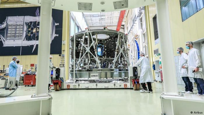 Модуль ESM-3 прибыл в Бремен для завершающих работ из итальянского Турина