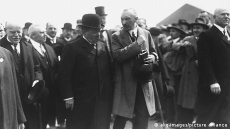 Friedrich Ebert with Konrad Adenauer