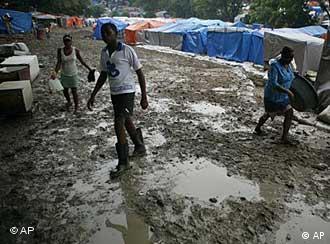 Obdachlosen-Camp in Port-au-Prince (Foto: AP)