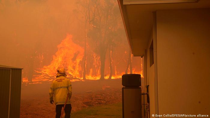 Wildfires burning in Perth, Australia