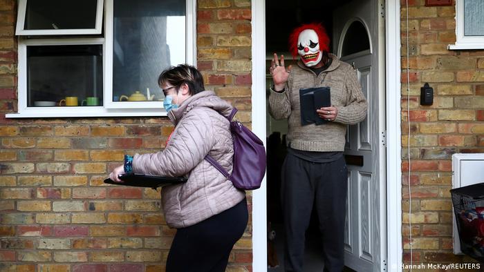 Großbritannien beginnt Tür-zu-Tür-Tests | Jagd nach COVID-Variante