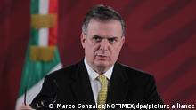 Marcelo Ebrard, Außenminister von Mexiko, spricht auf einer Pressekonferenz. Angesichts der massiven Polizeipräsenz rund um die mexikanische Botschaft in Bolivien hat sich die Regierung des lateinamerikanischen Landes über die «Belagerung» der diplomatischen Vertretung beschwert. Ebrard kündigte am Donnerstag an, beim Internationalen Strafgerichtshof Beschwerde einzulegen. +++ dpa-Bildfunk +++