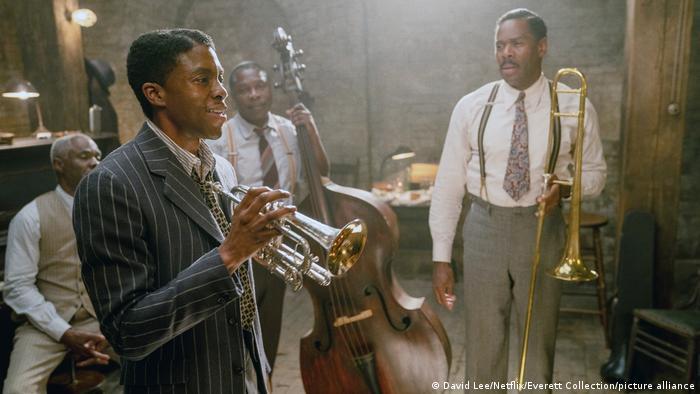 Chadwick Boseman als Jazzmusiker in einer Szene von Ma Rainey's Black Bottom
