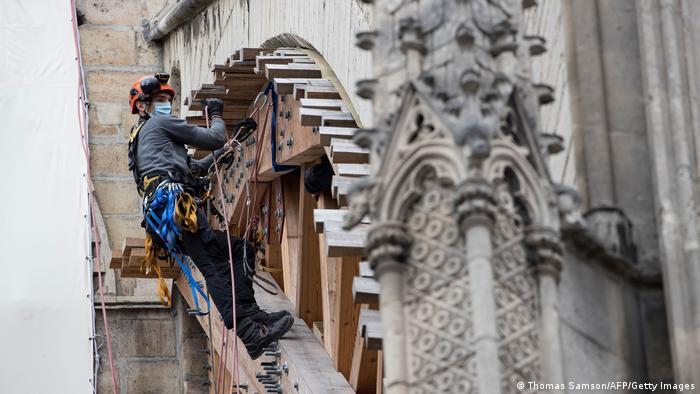 Frankreich Wiederaufbau von Notre Dame