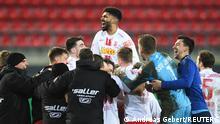 DFB Pokal Jahn Regensburg v 1. FC Köln Jubel Elfmeterschießen