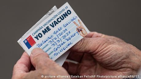 Vacunación en Chile con CoronaVac.