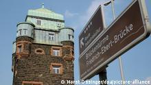 Duisburg Brückenturm der Friedrich-Ebert-Brücke