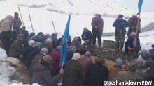 Beerdigung von Demonstranten, die angeblich von Regierungstruppen getötet worden sind. Fotograf: Ashaq Akrami, DW, am 01.02.2021.