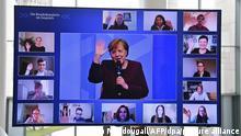Deutschland | Angela Merkel im virtuellen Bürgerdialog