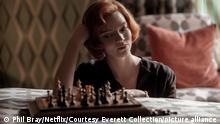 La actriz argentina Anya Taylor-Joy en una imagen de la serie